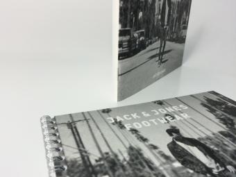 Brochure | kaft: structuurkarton binnenwerk: 300gr papier